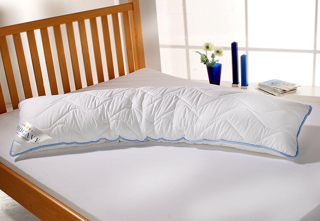 långa kuddar till säng